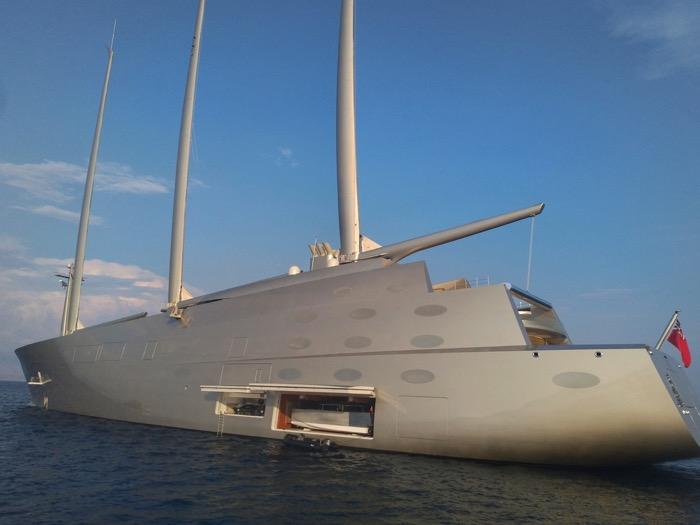 A yacht de navigatie Andrey Melnichenko