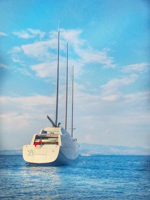 A yacht de navigatie Andrey Melnichenko 2