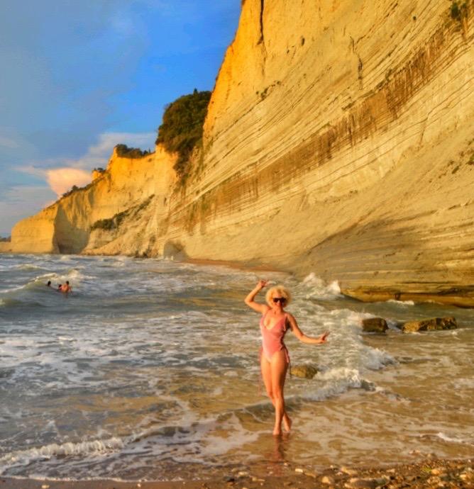 Plaja Loggas cel mai frumos apus din insula Corfu 11
