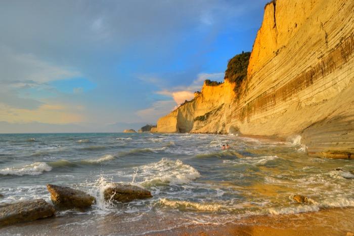 Plaja Loggas cel mai frumos apus din insula Corfu 10