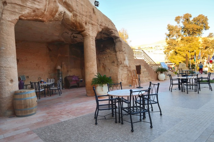 Baruri Petra The Cave Bar 5
