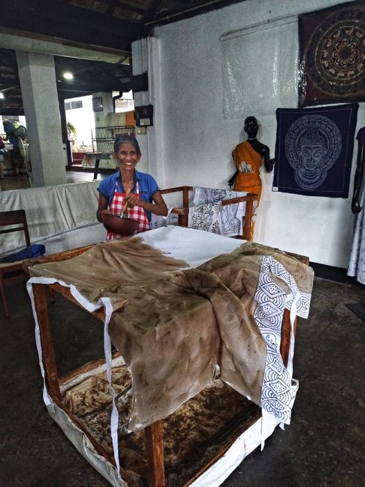 Dambulla Matale Kandy Sri Lanka batik 7