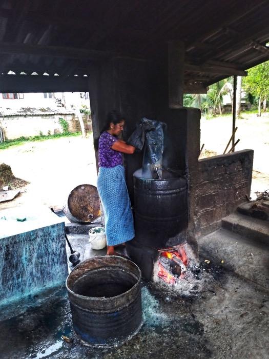 Dambulla Matale Kandy Sri Lanka batik 5