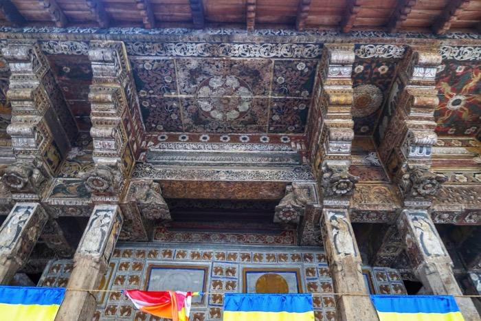 Kandy Templu Dintelui 1