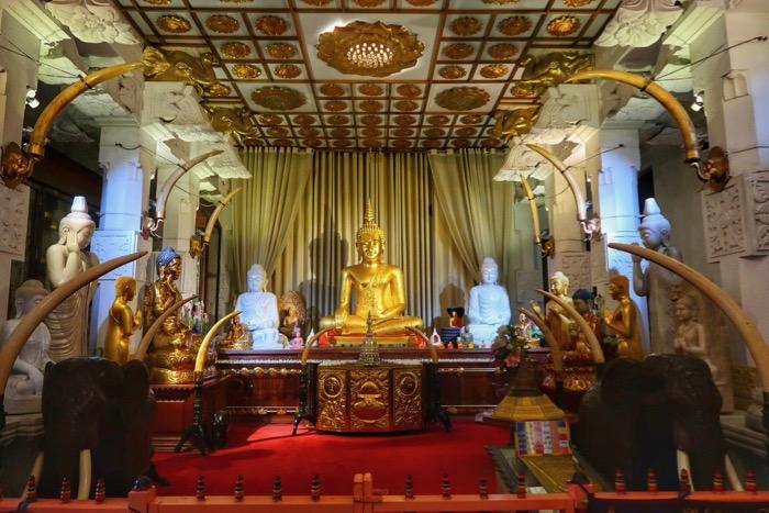 Kandy Templu Dintelui 2