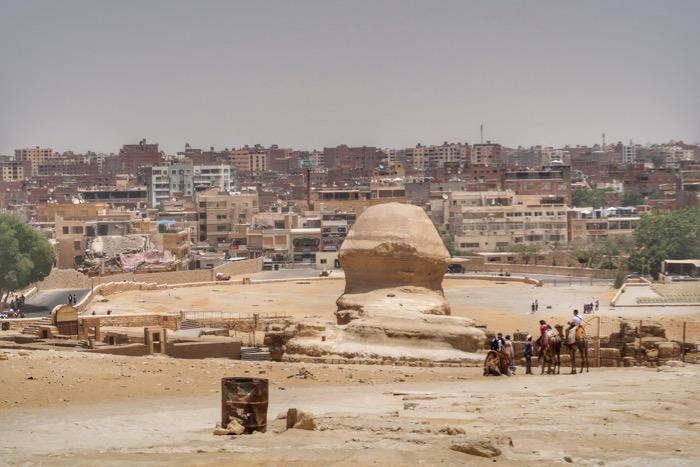 sfinxul giza piramide singur