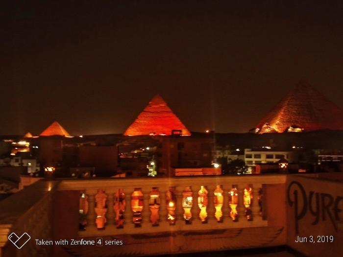 spectacol lumini piramide