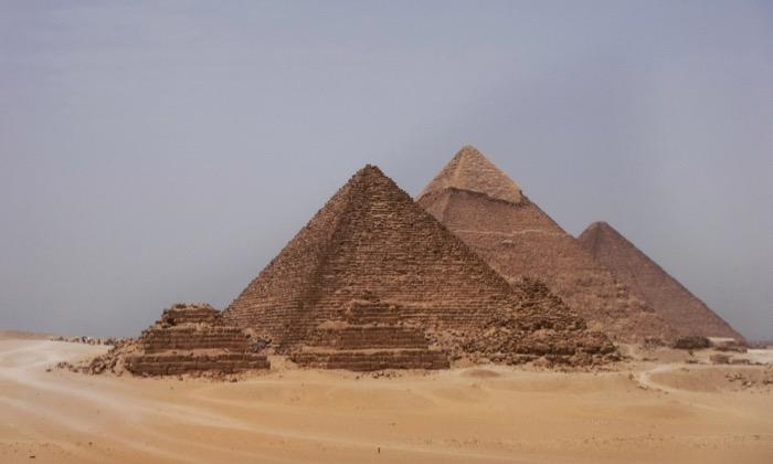 viziteaza piramidele singur 10