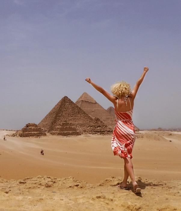 viziteaza piramidele singur 1