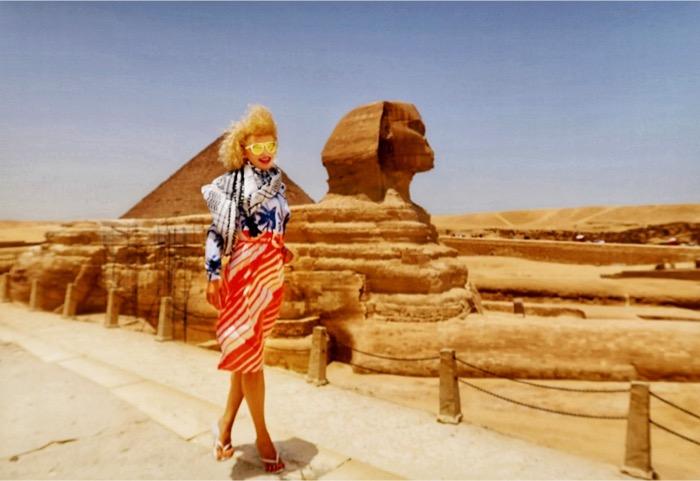 singura la Piramide