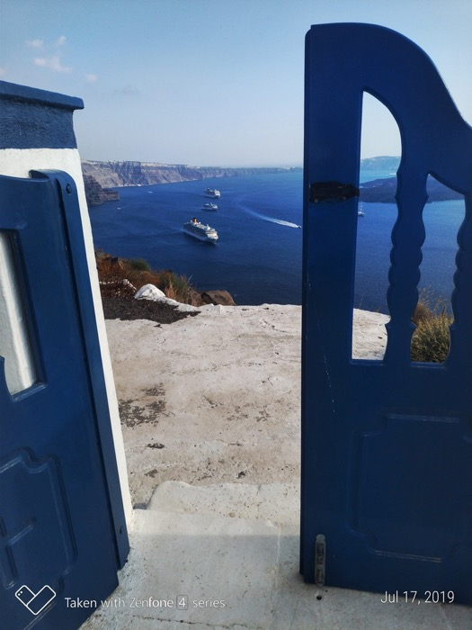 Skaros Santorini biserica Theoskepasti 1