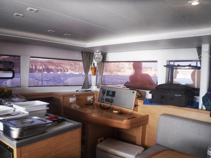 Croaziera cu catamaranul in Santorini 18
