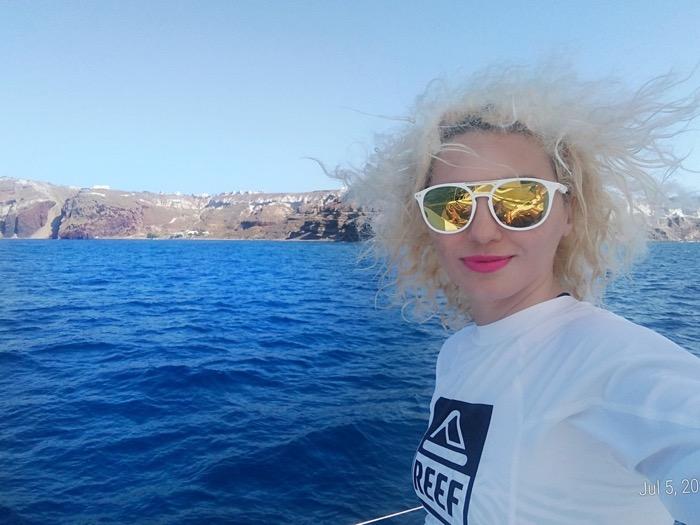 Croaziera cu catamaranul in Santorini 43