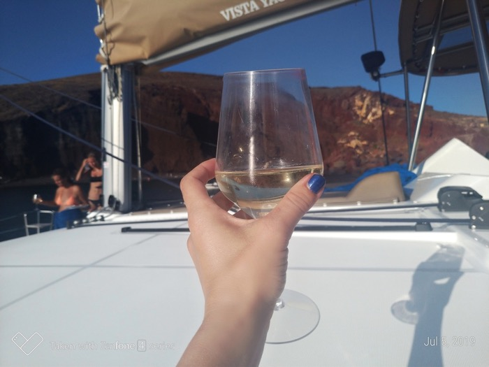 Croaziera cu catamaranul in Santorini 42