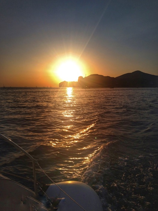 Croaziera cu catamaranul in Santorini 6