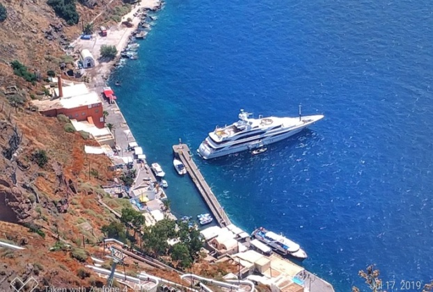 port athinos santorini feribot