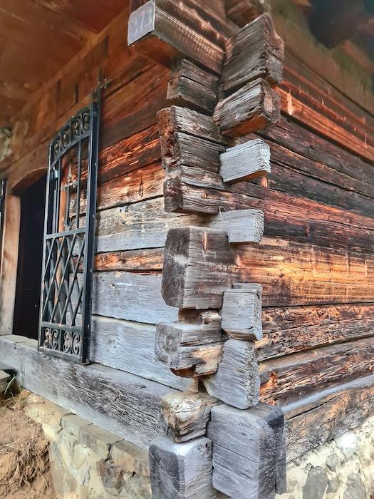 Biserica lemn sinca noua 3