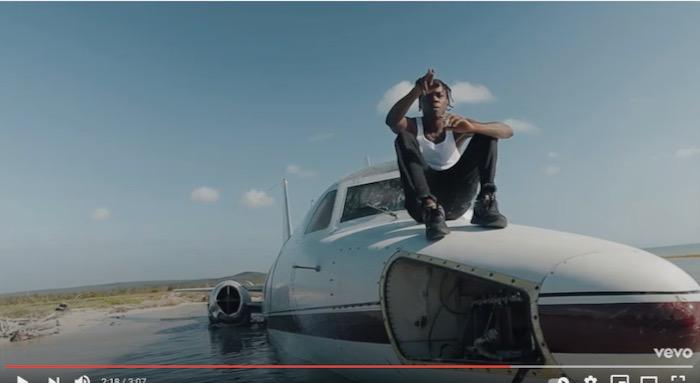 cantaret jamaican clip avion